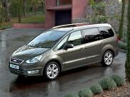 """Ford Galaxy. Главный и по сути единственный прямой конкурент на нашем рынке. В отличие от Alhambra предлагается с целой россыпью двигателей: двухлитровые бензиновые """"четверки"""" мощностью 145 и 200 л.с. (без турбины и с ней соответственно), бензиновый двигатель 2,3 (163 л.с.), а также двухлитровый 140-сильный турбодизель. Плюс – две комплектации, выбор из """"механики"""" , """"автомата"""" и """"робота"""" (последний – только для самой мощной версии) и привлекательные цены: от 1 101 500 рублей."""