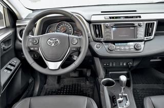 Тест-драйв Ford Kuga, Honda CR-V, Toyota RAV4
