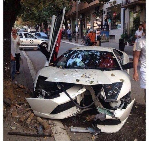 Lamborghini-murcielago-kosovo-crash-1