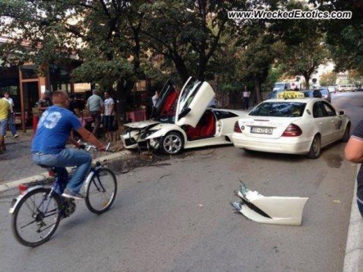 Lamborghini-murcielago-kosovo-crash-3