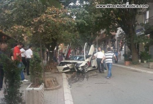 Lamborghini-murcielago-kosovo-crash-2