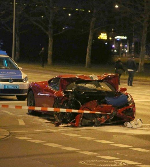авария Ferrari 458 Speciale
