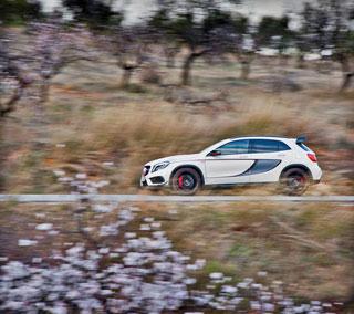 Тест-драйв Mercedes GLA 45 AMG