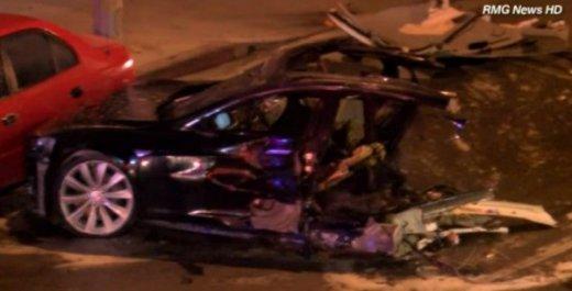 Авария Tesla Model S