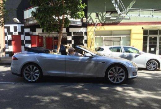 кабриол Tesla Model S
